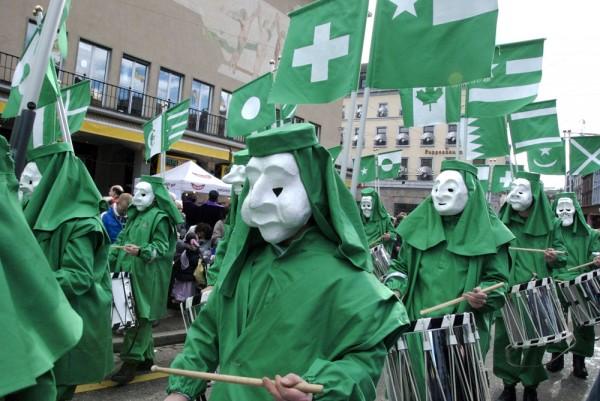 Desfile en el fasnacht o carnaval de Basilea - Foto de Ellen Wallace