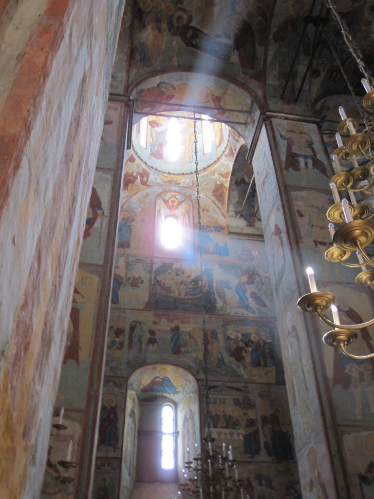 Interior de una Inglesia Rusa Ortodoxa.