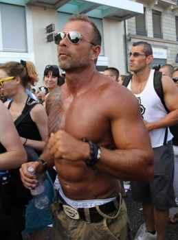 The men at Geneva's Lake Parade029
