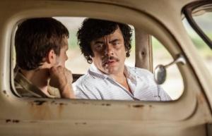 Benicio del Toro como Pablo Escobar
