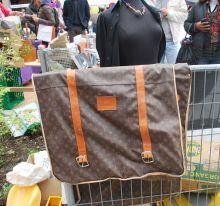 louis-vuitton en mercado de pulgas en Suiza
