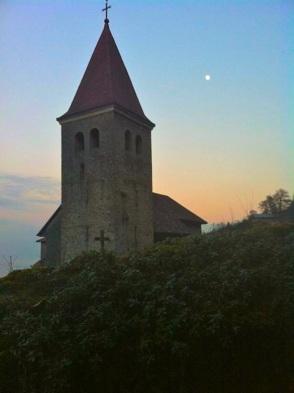 Iglesia católica en Meillerie en Francia vecina