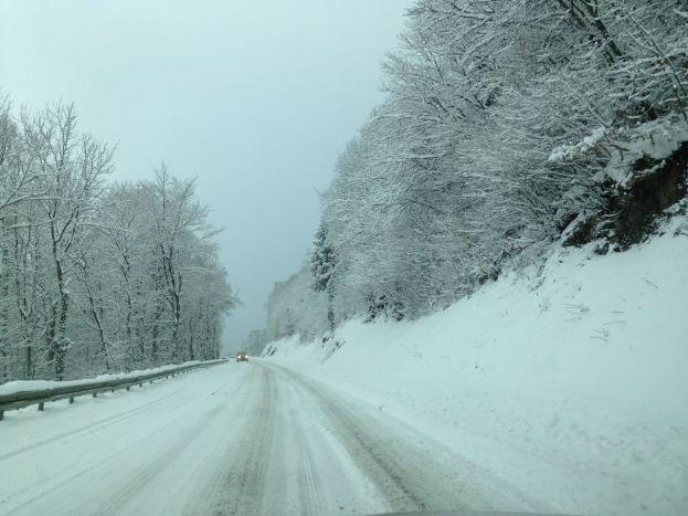 Nevada en las carreteras de Francia y Alpes y en Suiza