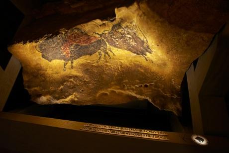 Foto de la replica de la cueva de Lascaux, Francia por Lascaux expo